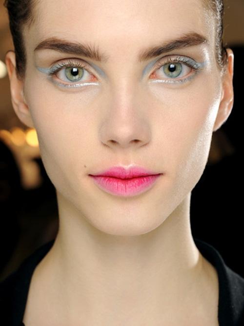 blurred-lips 2
