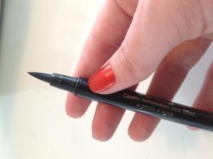 delineador caneta
